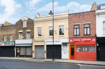 Flat for sale in Roman Road...