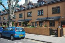 4 bedroom property in Libra Road, Bow