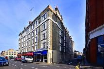 Flat to rent in Paul Street, Islington...