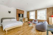 Studio flat in Woodseer Street...