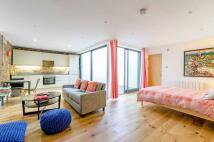 Studio flat to rent in Hanbury Street...