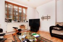 Flat in Whiston Road, Haggerston...