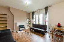 3 bedroom Flat in Thurtle Road...