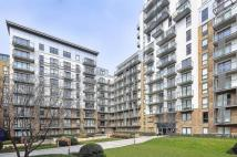Flat to rent in Seven Sea Gardens, Bow...