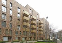 3 bed property in Nelson Walk, Bow, E3