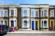 2 bed house in Mossford Street...