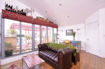 2 bedroom Flat to rent in Wadeson Street...