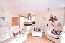 2 bedroom Maisonette in Fanshaw Street, Hoxton...