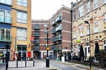 Flat to rent in Hoxton Square...