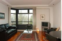 Flat to rent in City Road, Shoreditch...