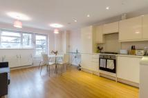 2 bedroom Flat to rent in Vallance Road...