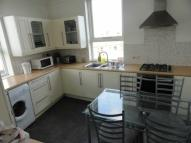 4 bed Flat in West Hill Road...