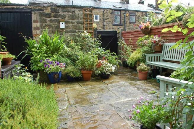 Rear Patio Garden