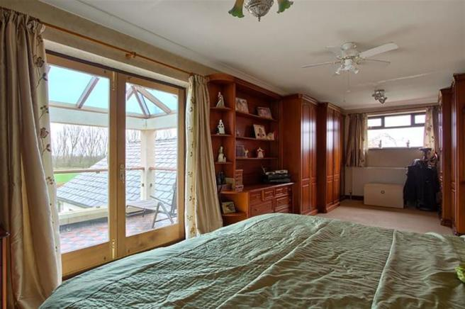 master-bedroom-