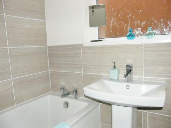 Main Bathroom1
