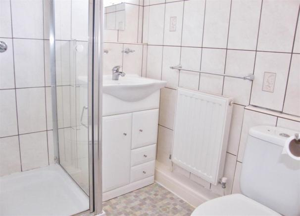 Showeroom2