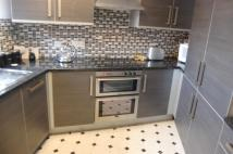Flat to rent in Princes Reach...