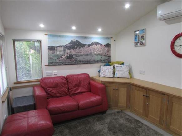 summer house interna
