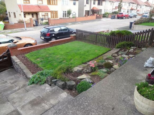 front garden (1)