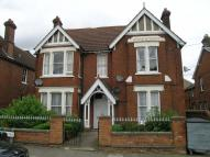 Flat to rent in Kimbolton Avenue...