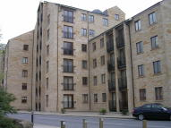 Flat to rent in Damside Street,