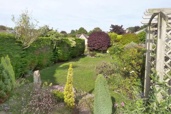 Front Garden (2)