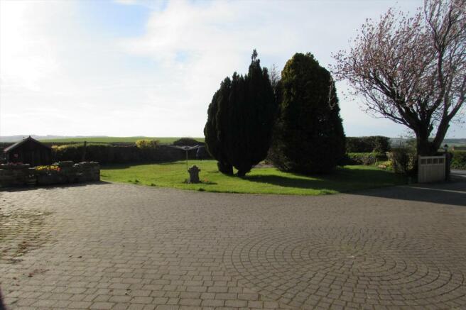 Garden Frontage