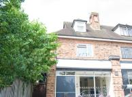 3 bed Flat in Warwick Road, Knowle...