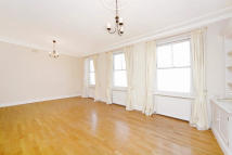 Flat to rent in Southwell Gardens...