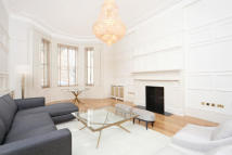 3 bed Flat in Queen's Gate...