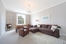 2 bed Flat to rent in Grenville Place...