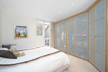 Flat in Ashburn Gardens, SW5