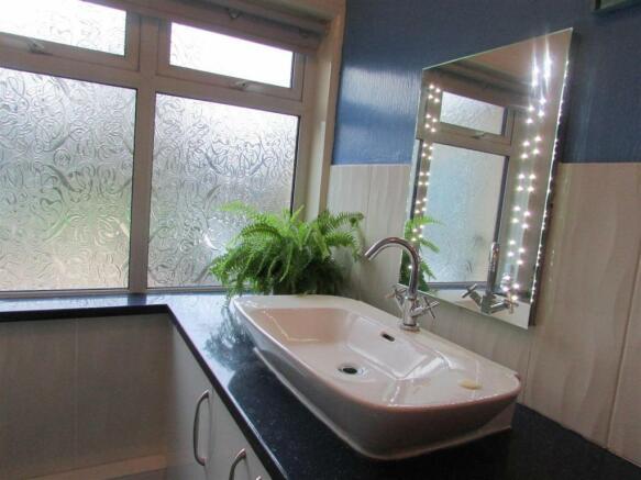 G Floor Shower Room