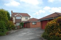 6 bedroom house in Carnoustie Close...