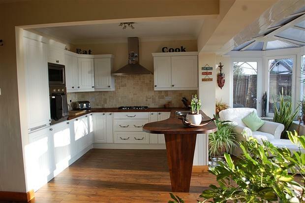 Second View Kitchen