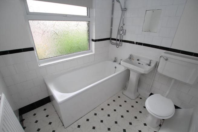1 pineway bathroom