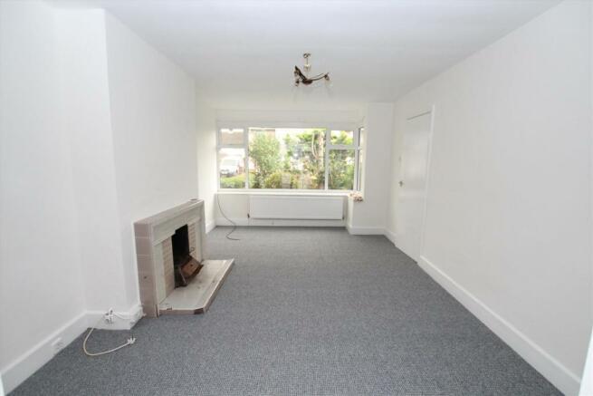 1 pineway lounge