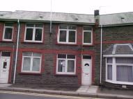 Terraced property to rent in High Street, Llanhilleth...