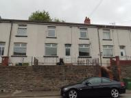 Terraced property to rent in Queens Road...