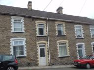 3 bed Terraced home to rent in Greenfield...