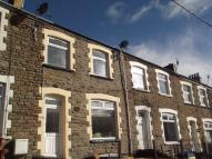 2 bed Terraced house in Queens Road...