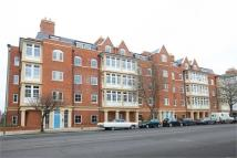 Flat to rent in Atwell Court...