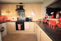 3 bedroom End of Terrace property in Kingswood Close