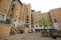 2 bed Ground Flat to rent in Stretton Mansions...