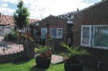 2 bedroom Flat in Alton Gardens, Luton, LU1