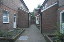 Studio flat to rent in Chapel Street, Luton, LU1