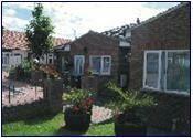 Bungalow to rent in Alton Gardens, Luton, LU1