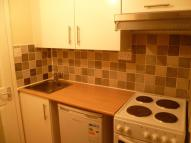 Studio apartment to rent in Guildford Street, Luton...