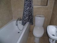 Studio apartment in Stockwood Crescent...