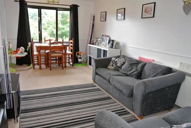 lounge reverse.jpg